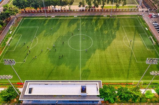 Investire nello sport: come costruire un campetto da calcio?